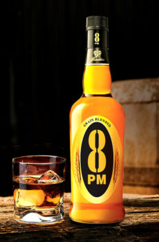 8 PM RESERVA EXQUISITE BLENDED WHISKY